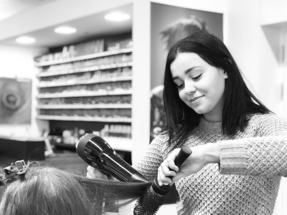Nerma Kalac - HAIR SPRING - Coiffeur im swissôtel Zürich-Oerlikon - Ihr Spezialist für modische Schnitte, brilliante Farben und professionelle Extensions