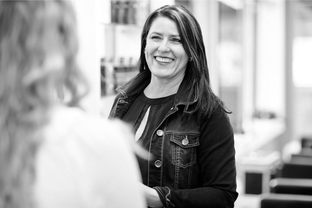 Daniela Spring - HAIR SPRING - Coiffeur im swissôtel Zürich-Oerlikon - Ihr Spezialist für modische Schnitte, brilliante Farben und professionelle Extensions