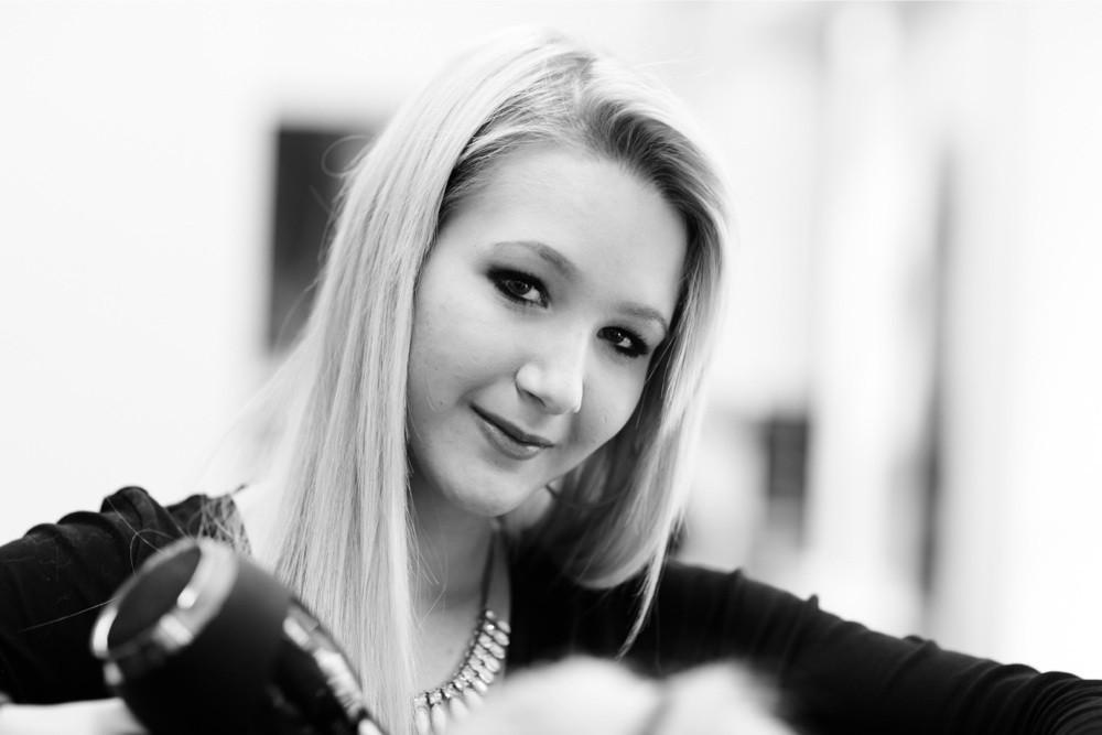 Raffaela Thalmann - HAIR SPRING - Coiffeur im swissôtel Zürich-Oerlikon - Ihr Spezialist für modische Schnitte, brilliante Farben und professionelle Extensions