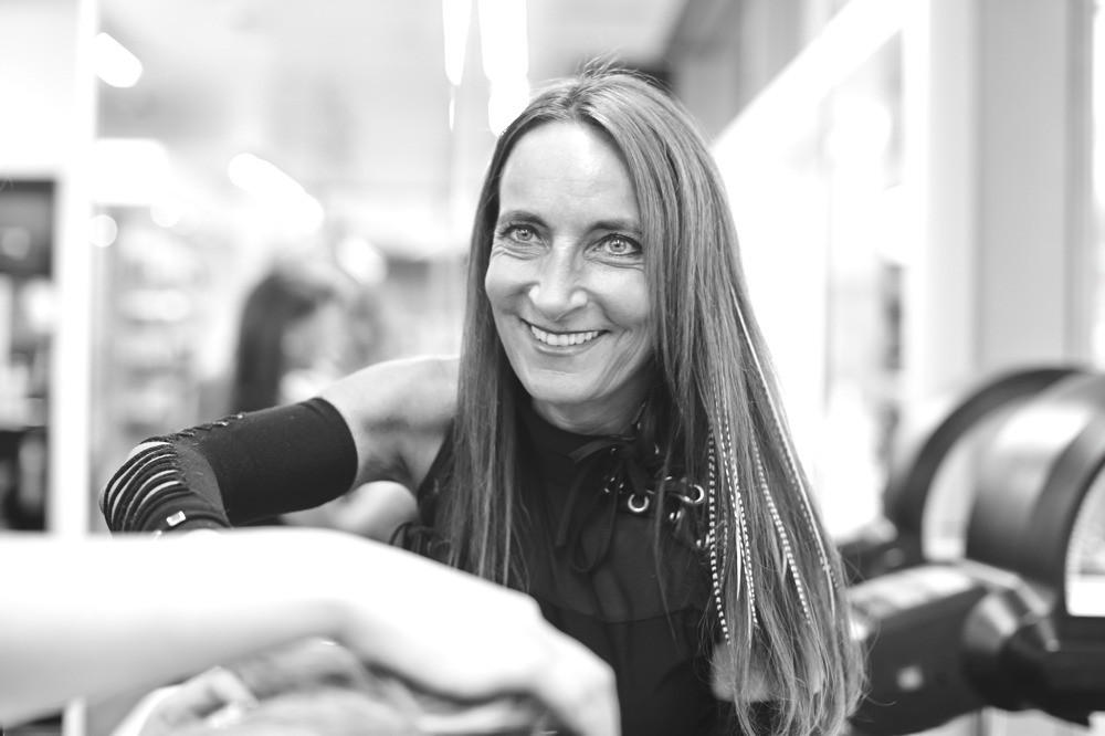 Denise D'Aurelio - HAIR SPRING - Coiffeur im swissôtel Zürich-Oerlikon - Ihr Spezialist für modische Schnitte, brilliante Farben und professionelle Extensions